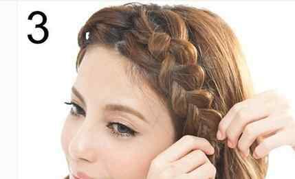 韩式瘦脸辫子 DIY两款韩式瘦脸辫子发型扎法