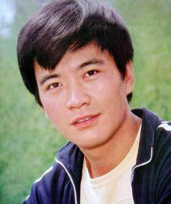 """周里京 1994年,""""硬汉男神""""周里京,妻子家中被害,他为何有最大嫌疑?"""