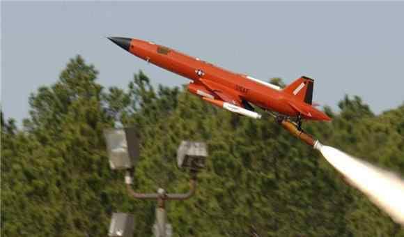 中国击落美国无人机 美无人机不请自来,频繁闯入我国领空,我军用时200秒将其击落