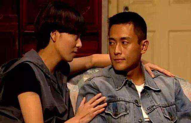 魏骏杰 小魏骏杰19岁的前妻离婚后生活洒脱,商场内卖弄姿态,绯闻不断