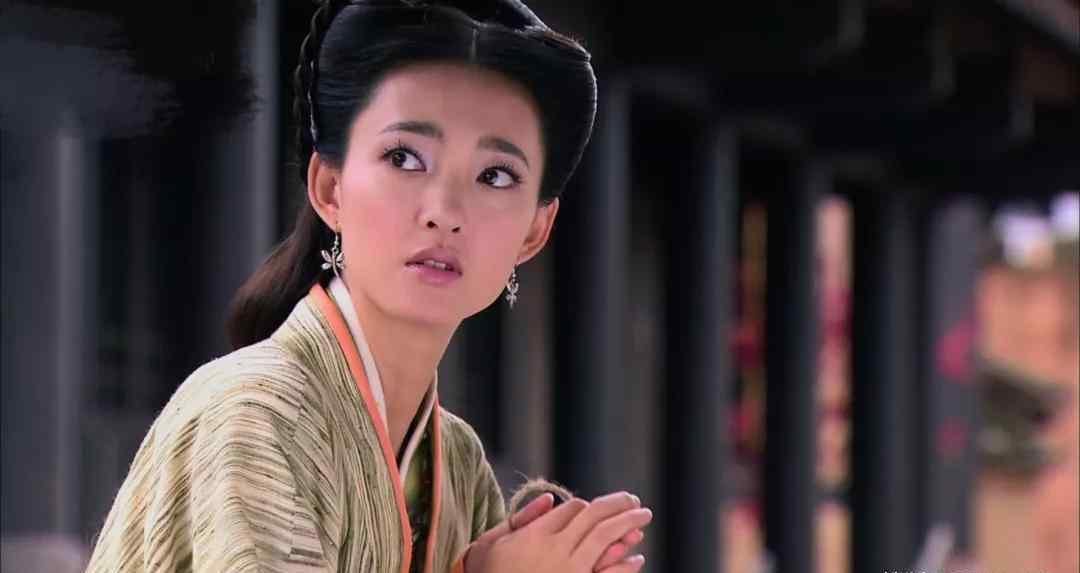 嫁给农夫 她曾嫁给农夫,离婚后进宫,竟然成了皇太后