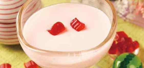 qq糖做果冻的做法大全 这款曾经爆人气的QQ糖果冻,做法超简单,小孩子也可以学会