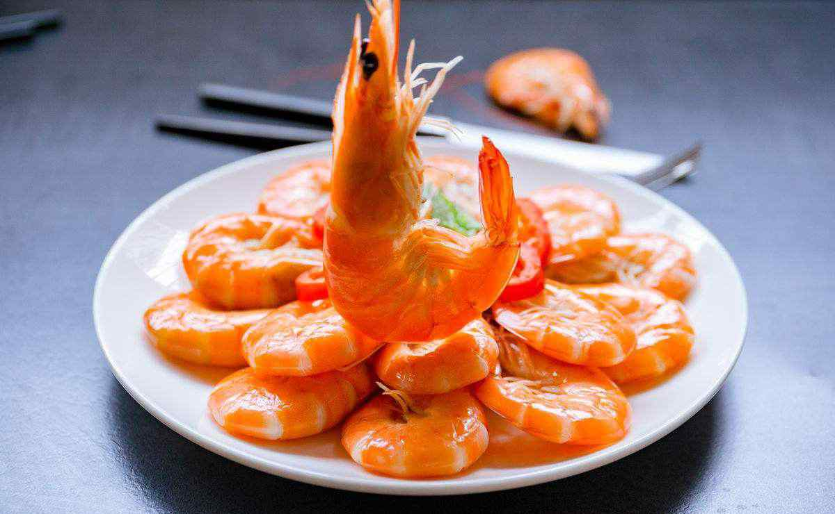 煮大虾 煮虾用热水还是冷水?大厨告诉你原因,附赠各种烹饪用水小技巧