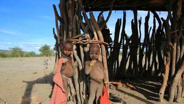 非洲小孩 一组非洲儿童真实照片,饥饿与贫困相伴
